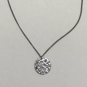 Dainty silver disc necklace